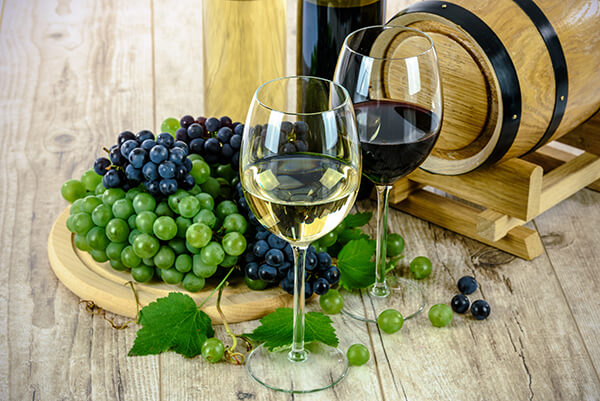 Wine tasting in France on your EuroParcs camping holiday